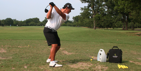 Wibawa Shines in Longest Drive Contest