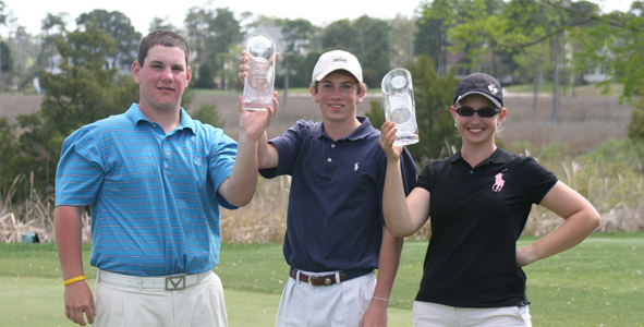 Medalists show off their trophies after the final round