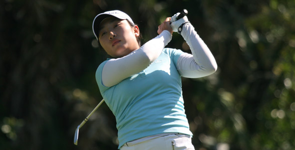 Hwang leads Girls Division after first round