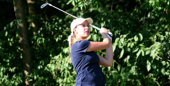 Lee posts 1-under-par 71 to slide atop Girls Division