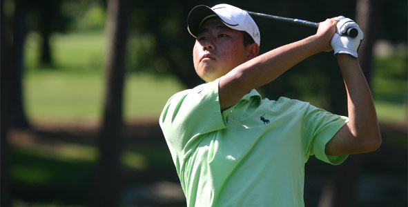 Lee holds onto first-round lead