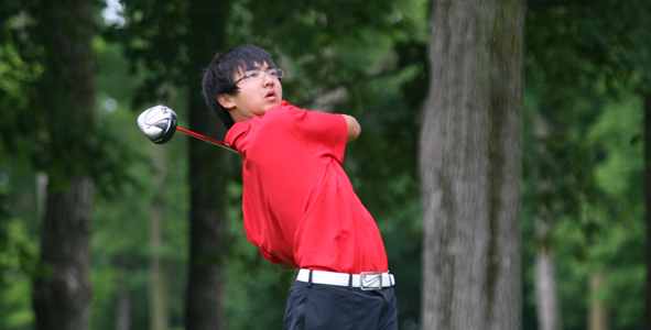 Dou's 68 leads Boys Division after first round