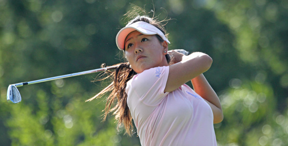 Suh extends lead