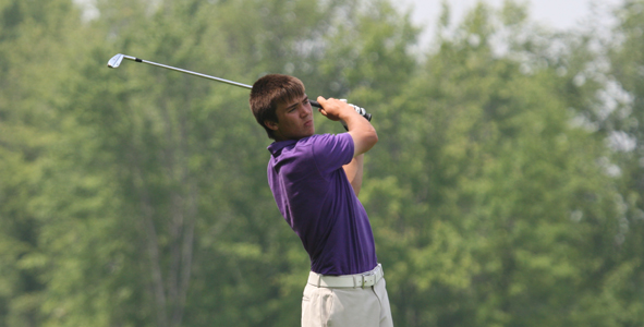 Titsworth leads by five strokes after first round