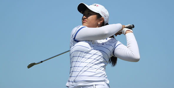 Vu Shoots 74 to Top Girls Division After First Round