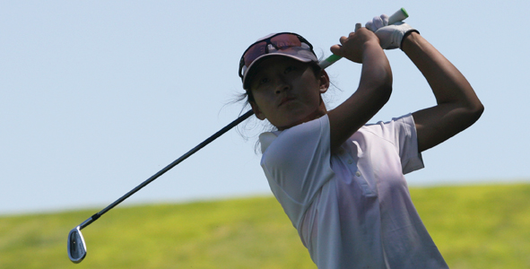 Zhu holds on to lead in Girls Division