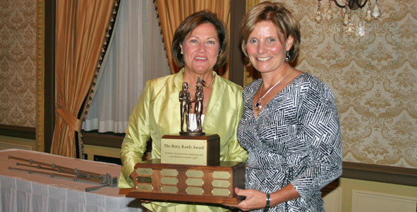 Cindy Davis recognized with Betsy Rawls Award